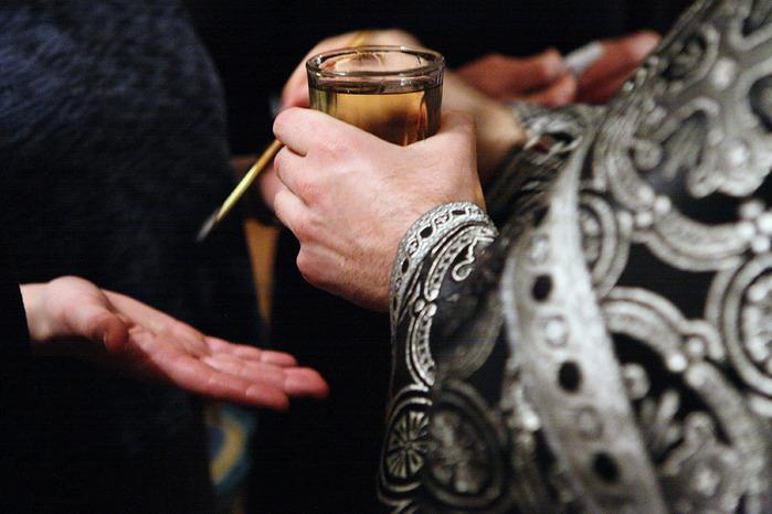 03 и 17 апреля в нашем храме будет совершаться таинство Соборования (Елеосвящения).Начало в 11-00.