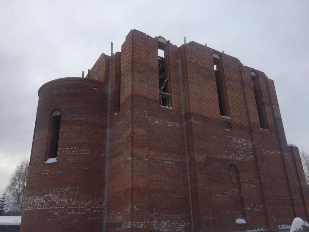 Продолжаем строить храм
